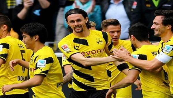 Subotic ile Dortmund sözleşme yeniledi