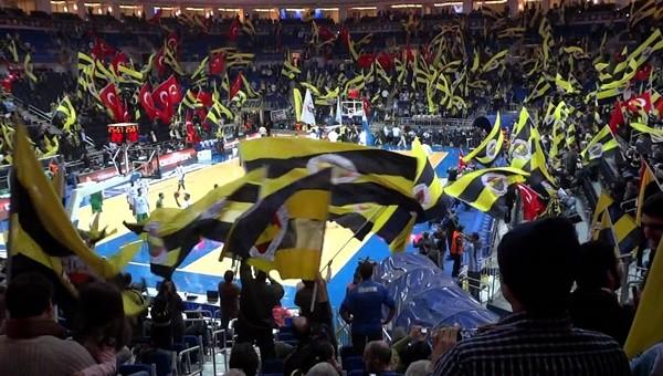 Fenerbahçe Ülker'e 'komşu' desteği
