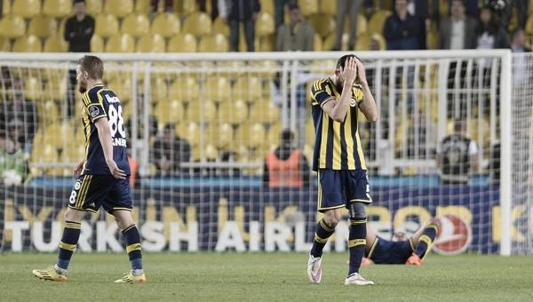 Fenerbahçe'den son 3 sıraya gol ikramı