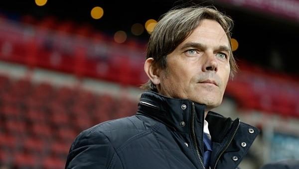 Hollanda'da yılın teknik direktörü şampiyona gitti