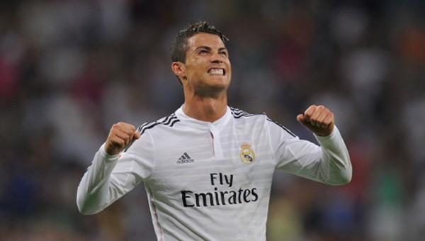 Ronaldo, Lionel Messi'yi iki kez solladı