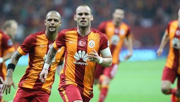 Sneijder'den 100. maçında gol