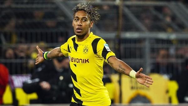 Aubameyang Borussia Dortmund'da kaldı
