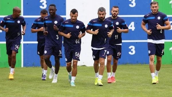 Çaykur Rizespor, yeni transferlerini tanıttı