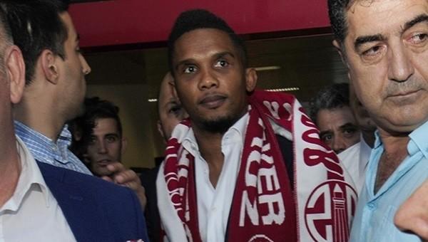 Demba Ba'dan Eto'o'ya transfer uyarısı