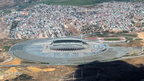 UEFA yetkilileri Olimpiyat Stadı'nı inceledi