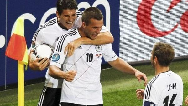 Almanya'nın kadrosu açıklandı! Gomez ve Podolski...