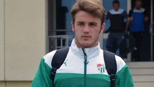 Bursaspor'dan Rize'ye transfer oldu