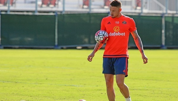 Crystal Palace'tan Connor Wickham hamlesi