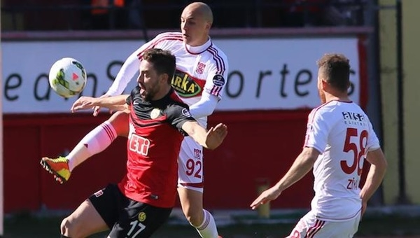 Eskişehirspor, Sivasspor'u ağırlıyor