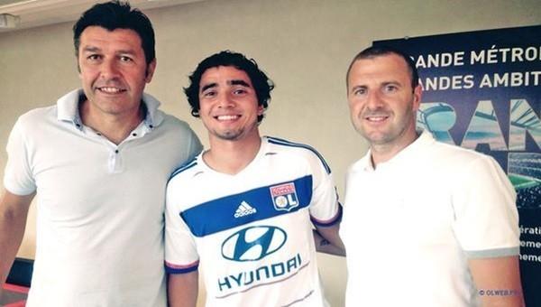 Rafael, Lyon'a transfer oldu