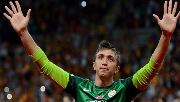 Galatasaray taraftarlarından Muslera'ya destek