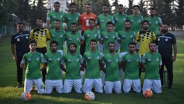 İç savaştan kaçan Suriyeliler, futbol takımı kurdu