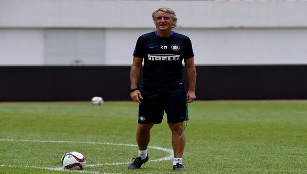 Roberto Mancini 7 ismin ipini çekti