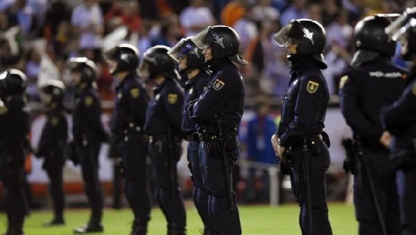 Polis iş bıraktı, Hollanda Ligi'nde maçlar ertelendi