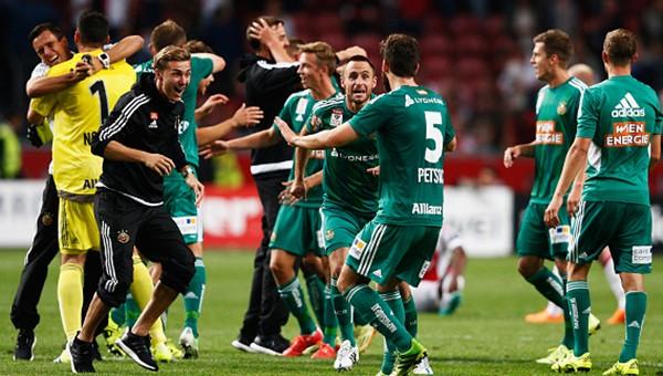 Rapid Wien, Ajax'ı saf dışı bıraktı