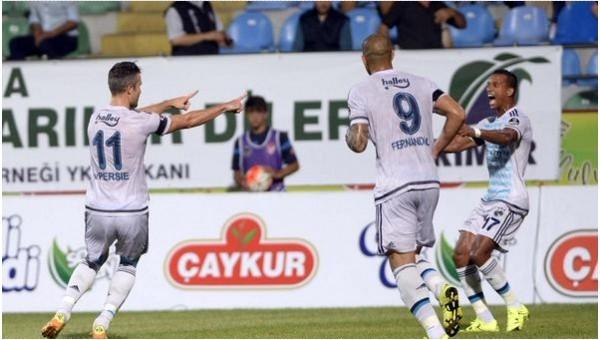 Robin Van Persie'den Süper Lig'de siftah
