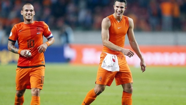 Van Persie ve Sneijder kadroda mı?