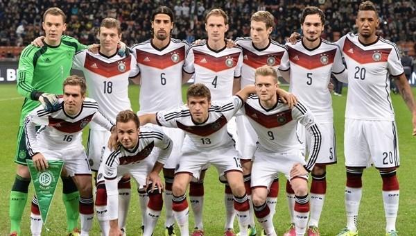 Alman Milli Takımı'na Brezilyalı sağ bek!