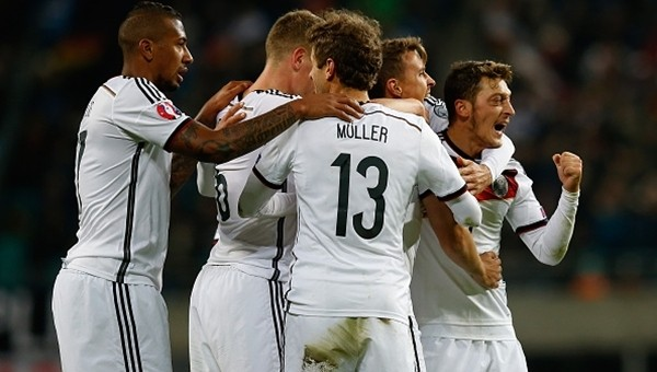 Almanya zorlandı ama kazanmayı bildi!