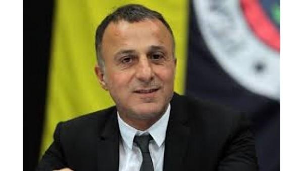 Fenerbahçeli yöneticiden takıma eleştiri