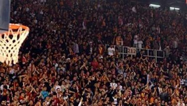 Galatasaray Yunan ekibini ezdi geçti