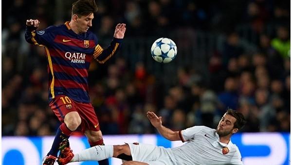 Cüneyt Çakır Messi'ye acımıyor