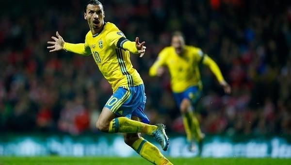 Ibrahimovic, İsveç'i sırtlıyor