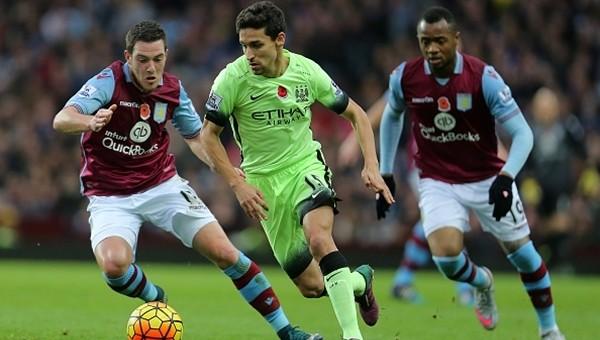 Lider Aston Villa'ya takıldı