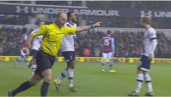 Premier Lig'de hakem şoku! Gole kendi atmış gibi sevindi