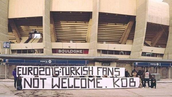 PSG'lilerden Türkler için ŞOK pankart!