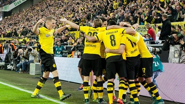 Ruhr derbisinin galibi Dortmund!