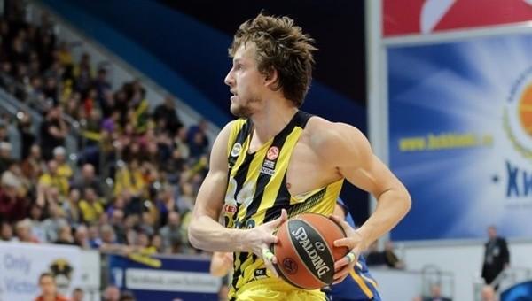 Fenerbahçe Rusya'dan galibiyetle dönüyor