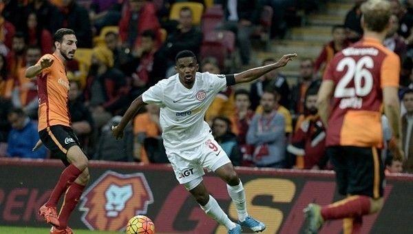 Galatasaray'da dikiş tutmuyor!