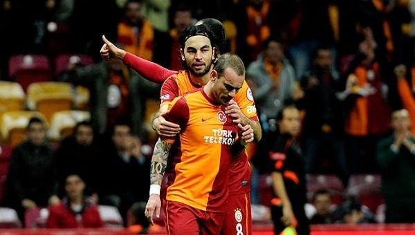 Galatasaray'da Sneijder'in yerinde kim oynayacak?