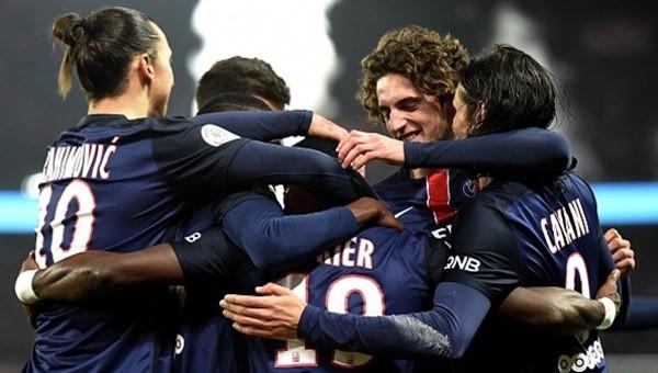 PSG, Lyon'a acımadı!