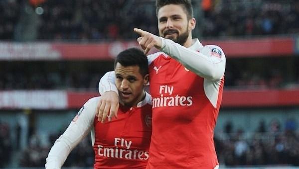 Arsenal kupada tur vizesini Alexis Sanchez ile aldı