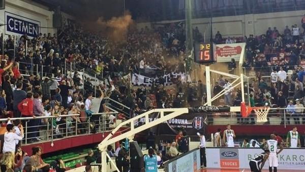 Karşıyaka - Beşiktaş maçında olaylar çıktı