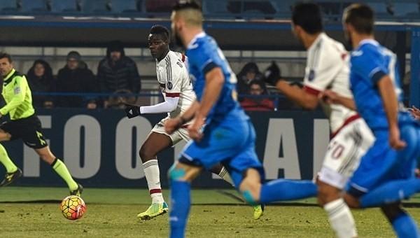Milan bir ileri iki geri!