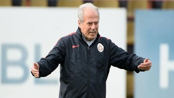 Mustafa Denizli 4 futbolcunun biletini kesti