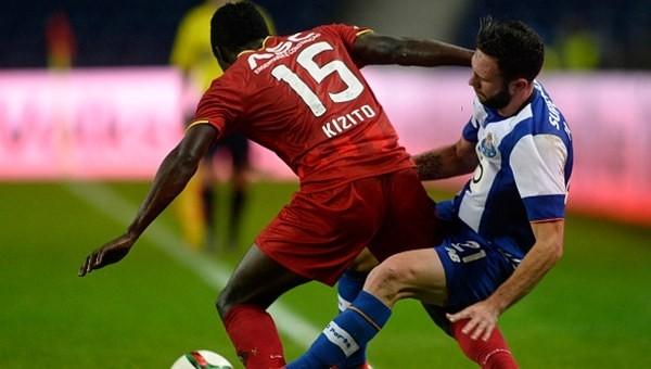 Porto takıldı Lisbon arayı açtı!