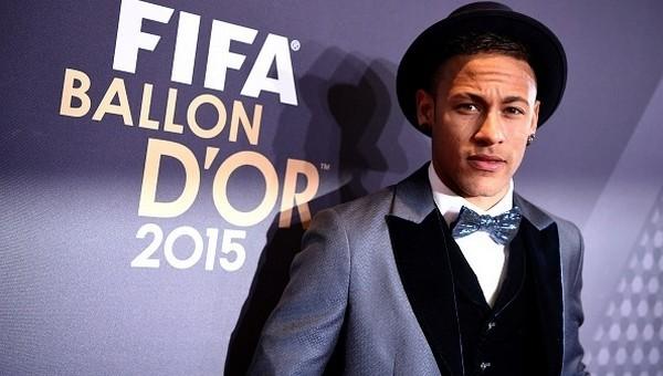 PSG, Neymar'ı transfer etmek istiyor