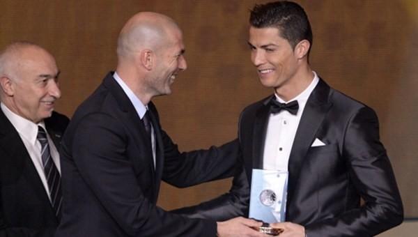 Ronaldo'dan Zidane'a destek, Barcelona'lılara taş!