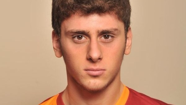 Tugay Kerimoğlu, Galatasaray'ın genç futbolcusunu kaptı