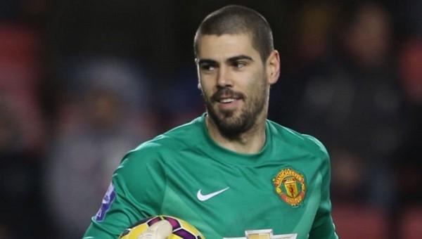 Victor Valdes Manchester United'a veda etti