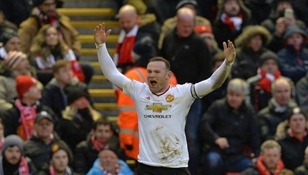 Wayne Rooney Premier Lig tarihine geçti!