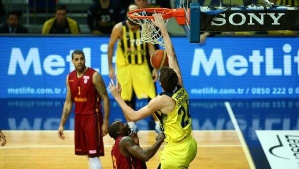 Fenerbahçe'de derbide Galatasaray'ı devirdi