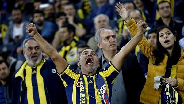Fenerbahçeli taraftarlardan Beşiktaş'a küfür