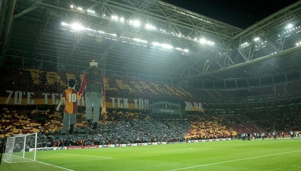 Galatasaray - Lazio maçını kaç bin taraftar izledi?