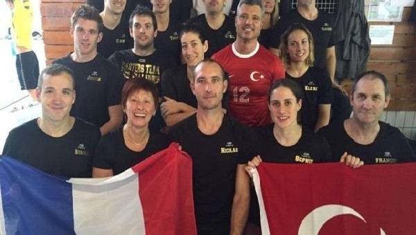 Havuzda 'Saran' Fransa-Türkiye dostluğu